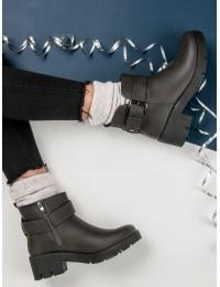 Pilki batai su platforma