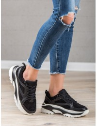 Madingi juodos spalvos batai