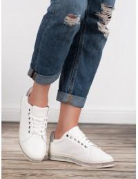 Balti stilingi bateliai
