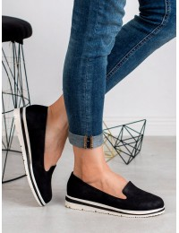 Stilingi juodi bateliai