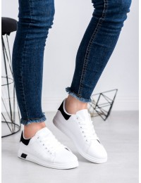 Balti laisvalaikio stiliaus bateliai