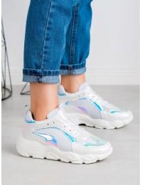 Madingi sportinio stiliaus batai