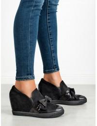 Stilingi juodi batai su platforma