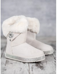 Stilingi patogūs šilti batai papuošti žėrinčiais kristalais