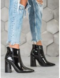 Išskirtiniai prabangaus stiliaus juodi lakuoti batai - RB22B