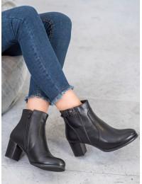Juodi klasikiniai batai patogiu žemu kulnu