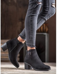 Juodi stilingi batai - 8B982B