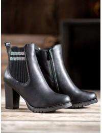Juodi batai tampriais šonais ir kulnu - 7-X8210B