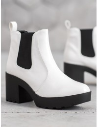 Madingi baltos spalvos batai - YL538W