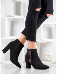 Juodi klasikiniai elegantiški batai - OM279B