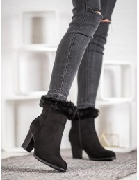 Elegantiški juodi zomšiniai batai su kailiuku - GD-BM-116A-B