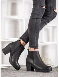 Juodi šilti patogūs klasikiniai batai su avikailiu - S1823-1B