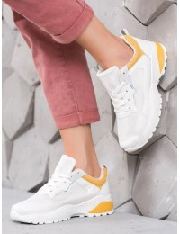Balti patogūs aukštos kokybės sportiniai bateliai su geltonos spalvos apdaila - H832Y