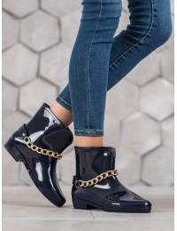 Tamsiai mėlyni guminiai batai papuošti aukso spalvos grandinėle\n - Z08N