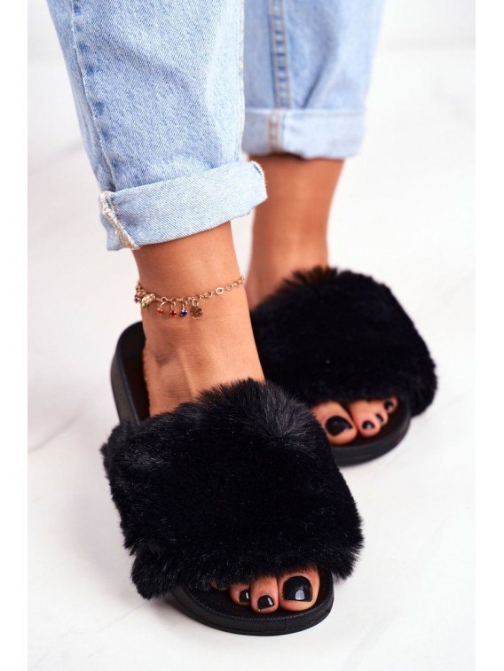 Stilingos juodos spalvos šlepetės su puriu švelniu kailiuku - S-1 BLK