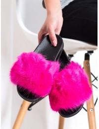 Jaukios ir patogios ryškiai rožinės šlepetės su puriu kailiuku - CK107F