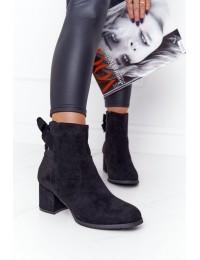Klasikinės juodos spalvos zomšiniai stilingi aulinukai\n - 20Y8054-1 BLACK