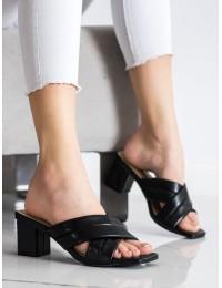 Elegantiškos odinės stilingos šlepetės - OM5454B