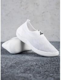 Tamprūs balti patogūs batai neslystančiu padu\n - C9019BLA